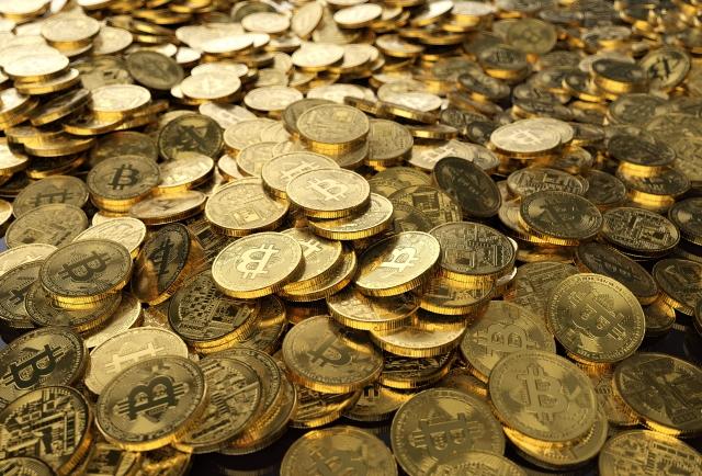 法人が仮想通貨を運用するメリットとデメリット